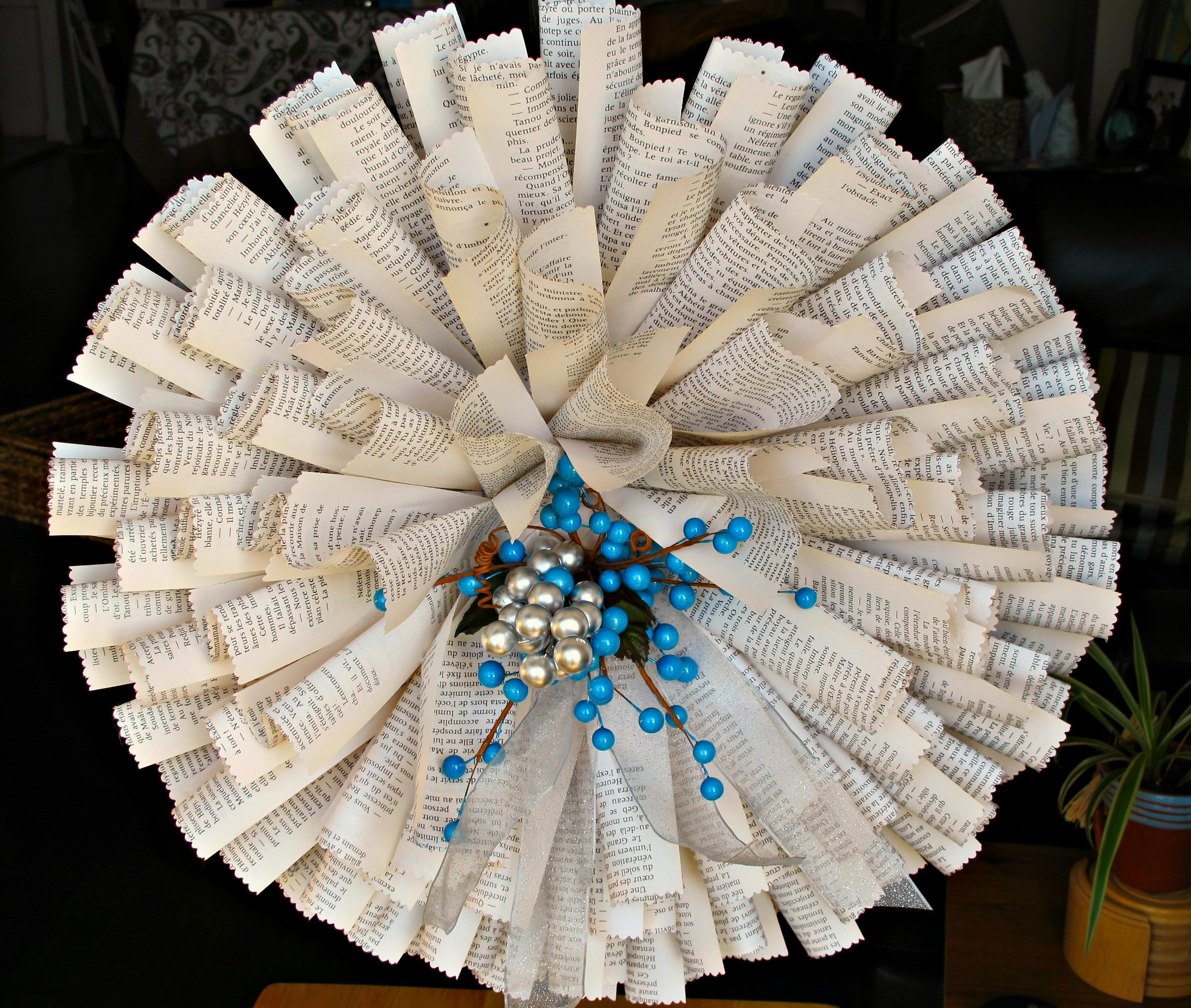 (online) Upcycled Book Page Wreath
